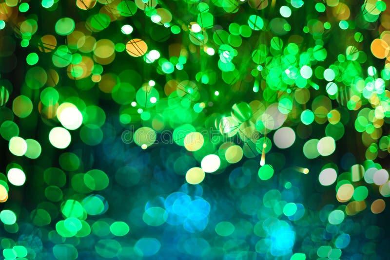 Fundo abstrato elegante do Natal festivo de néon verde com luzes roxas e de néon do bokeh ilustração royalty free