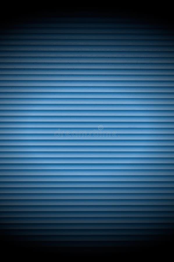 Fundo azul do obturador do rolo com projetor imagens de stock
