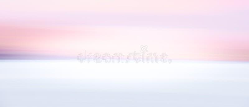 Fundo borrado abstrato do céu da zona do crepúsculo imagem de stock