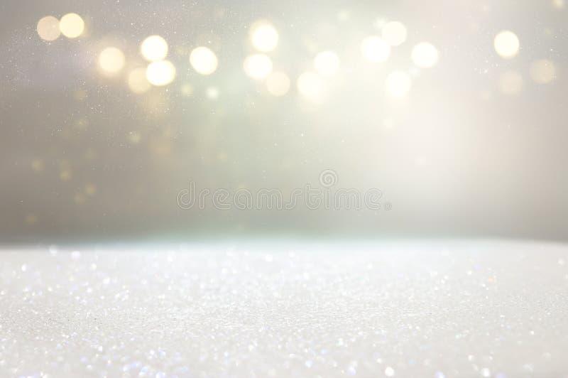 Fundo branco e de prata da foto do brilho das luzes ilustração stock