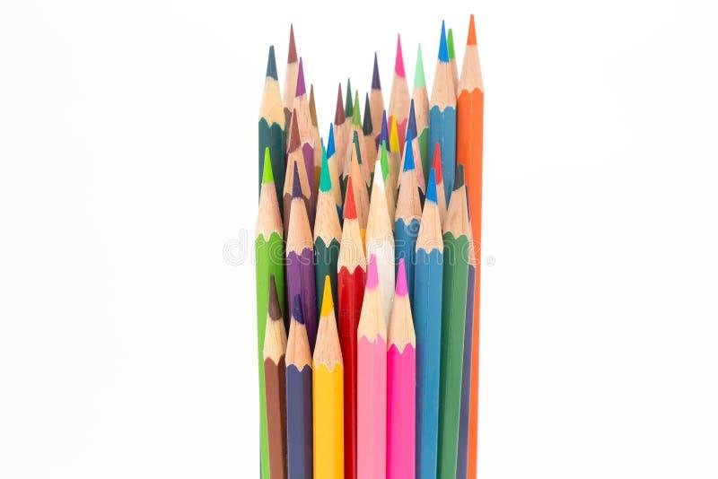 Fundo branco sobre lápis de madeira das cores fotos de stock royalty free