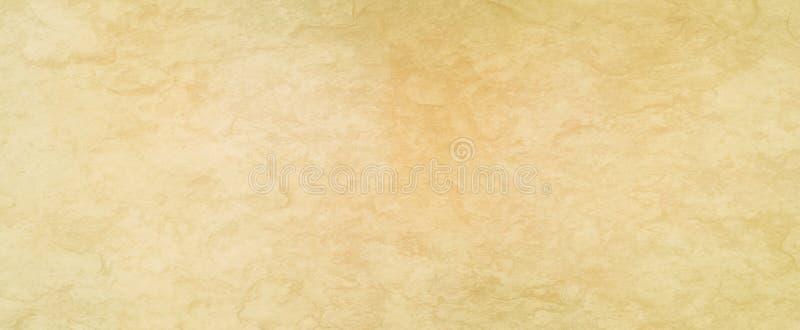 Fundo branco velho com textura afligida enrugada bege amarela do grunge, fundo abstrato do vintage ou papel imagem de stock