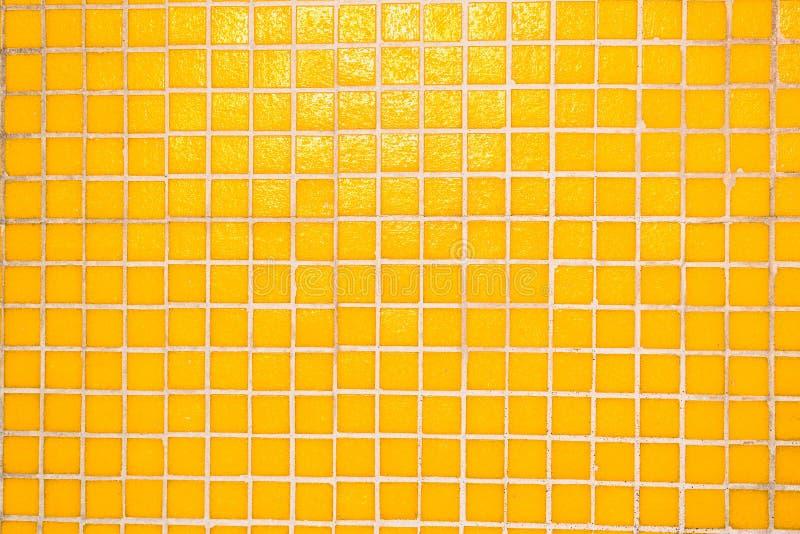 Fundo brilhante do mosaico Textura holografic amarela fotografia de stock