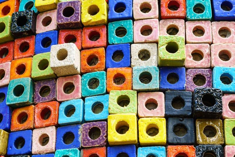 Fundo cerâmico colorido da textura do cubo imagem de stock royalty free