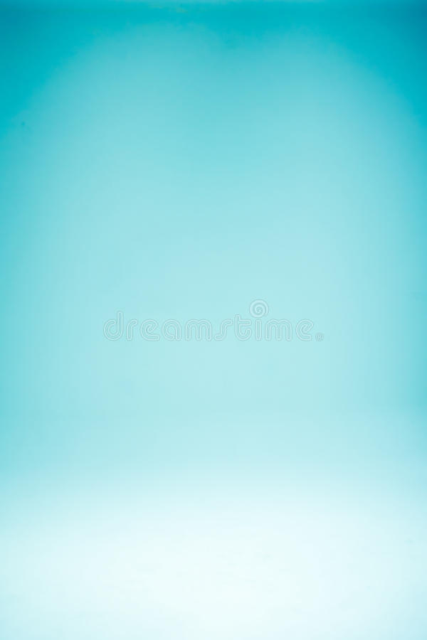 Fundo claro azul do inclinação abstrato com cores retros muito espaço para a imagem da arte da composição do texto, Web site imagens de stock royalty free