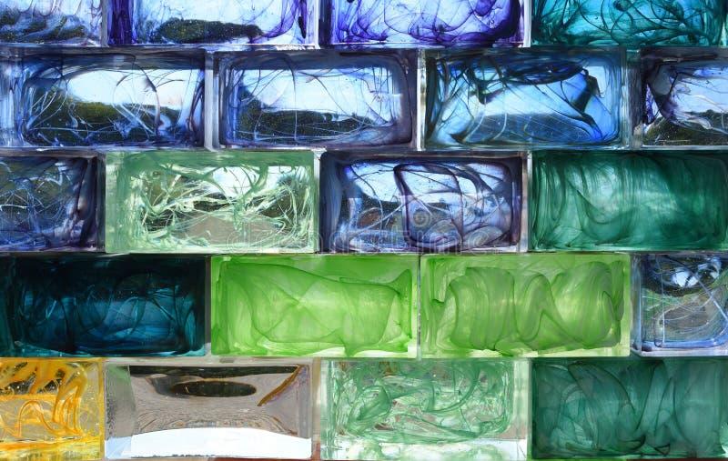 Fundo colorido dos tijolos de vidro imagem de stock royalty free