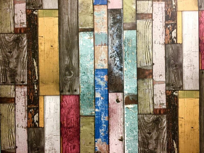 Fundo colorido rústico das placas de madeira imagens de stock royalty free