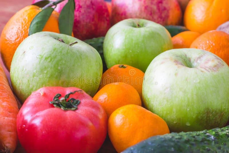 Fundo comer, alimento do vegetariano e conceito limpos saudáveis da nutrição da dieta imagens de stock