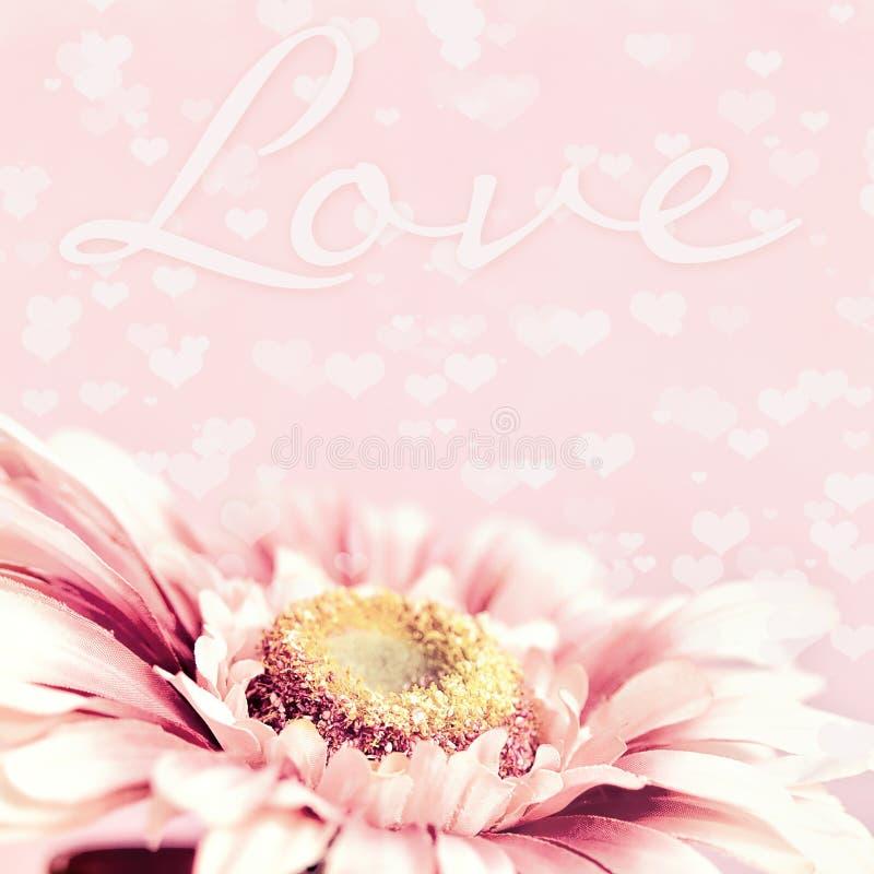 Fundo cor-de-rosa macio doce da flor e dos corações ilustração royalty free