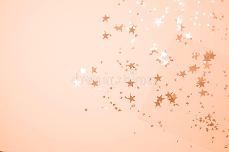 Fundo coral brilhante com estrelas brilhantes fotografia de stock