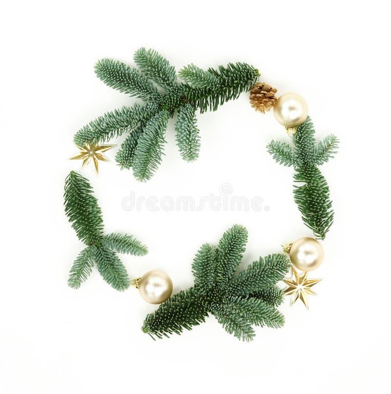Fundo da composição do Natal da árvore do Xmas e do teste padrão do quadro das decorações fotos de stock royalty free
