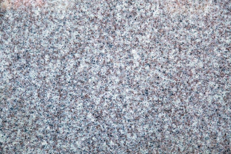 Fundo da cor fumarento branca lustrada do granito com as salpicaduras pretas lilás fotos de stock