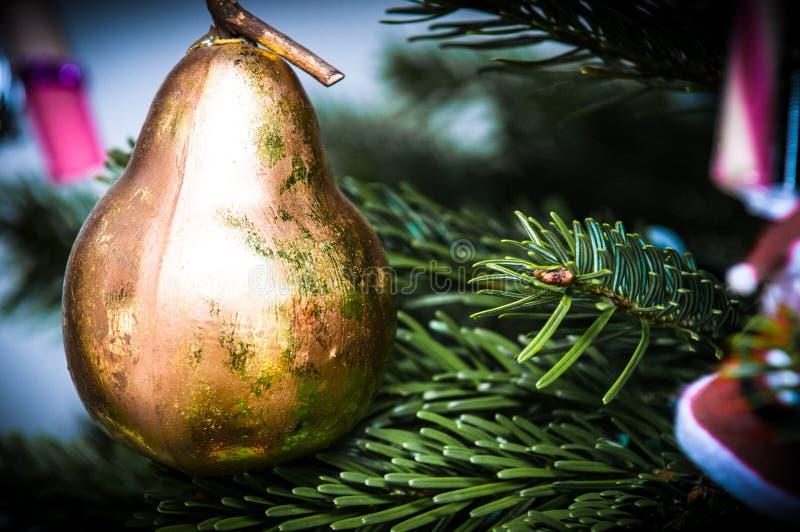 Fundo da decoração do Natal que pendura da árvore fotos de stock royalty free