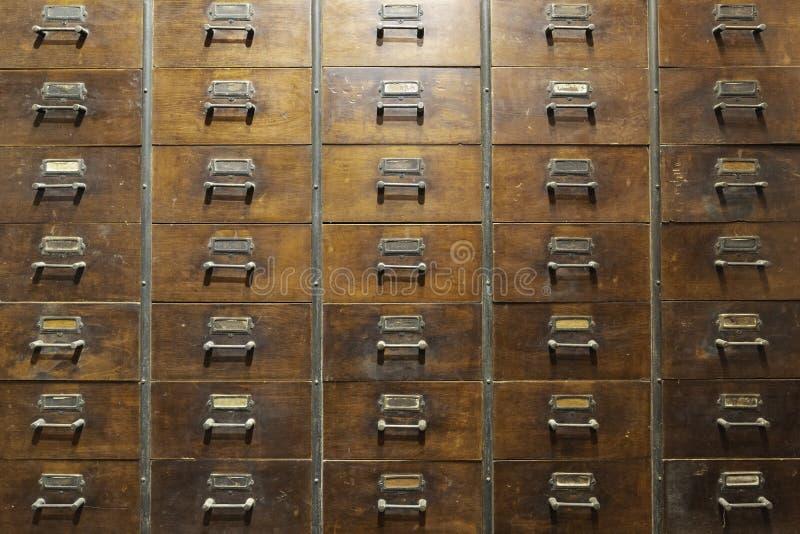 Fundo da madeira de arm?rio do fitoterapia do vintage imagens de stock royalty free