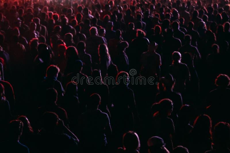 Fundo da multidão no festival de música fotos de stock