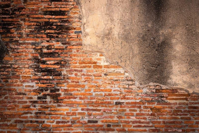 Fundo da parede de tijolo da textura do sumário, papel de parede do teste padrão ou contexto antigo das ruínas no templo velho foto de stock