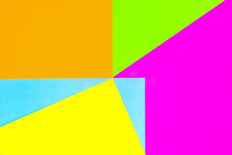 Fundo da textura de cores da forma: rosa, contexto de papel amarelo, verde, azul, colorido Papéis geométricos do teste padrão em  imagem de stock royalty free