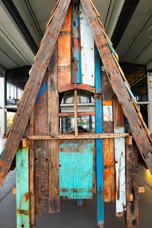 Fundo da textura da madeira do grunge do sumário da casa pequena fotos de stock