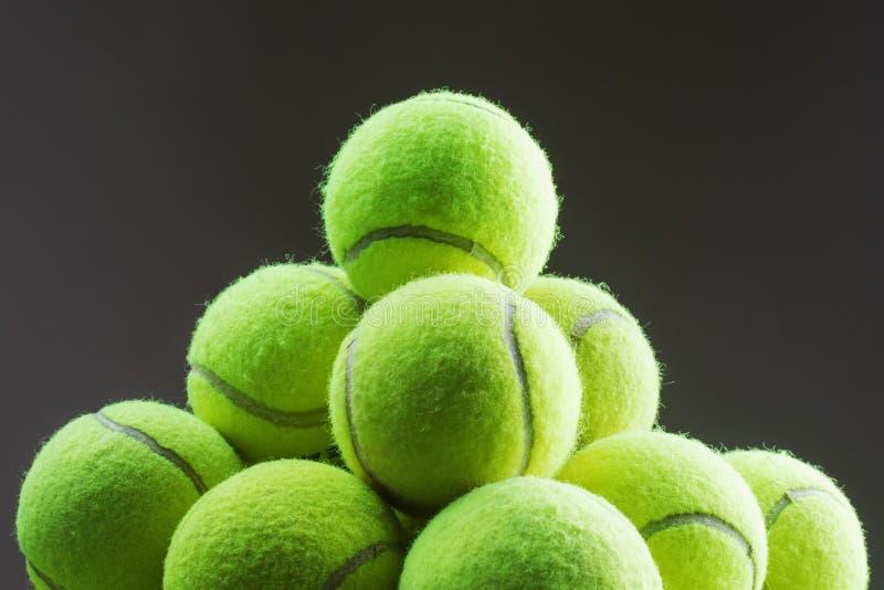 Fundo das esferas de tênis fotografia de stock