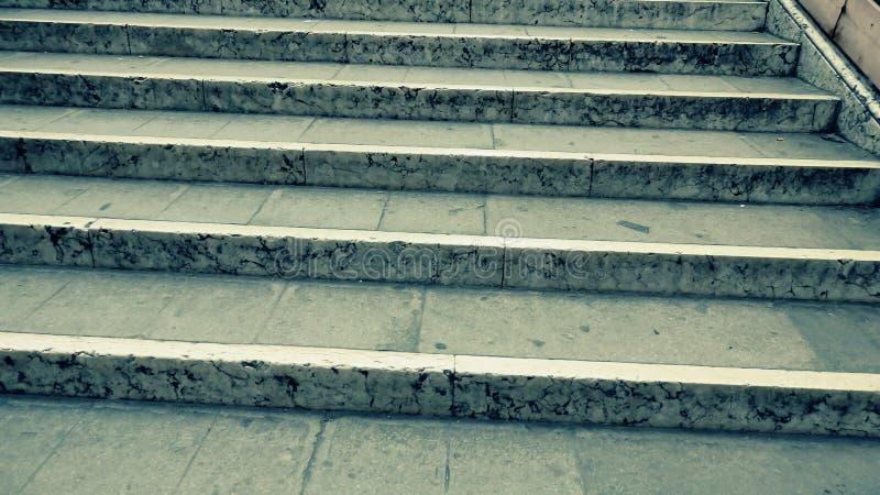 Fundo de escadas velhas do concreto do vintage fotografia de stock
