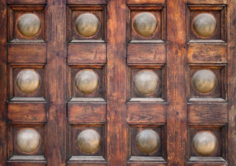 Fundo de madeira das portas da cidade antiga fotografia de stock