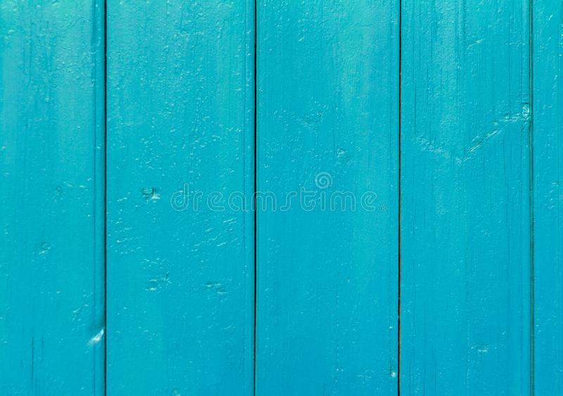 Fundo de madeira vertical, parede de madeira velha pintada na cor azul imagens de stock royalty free