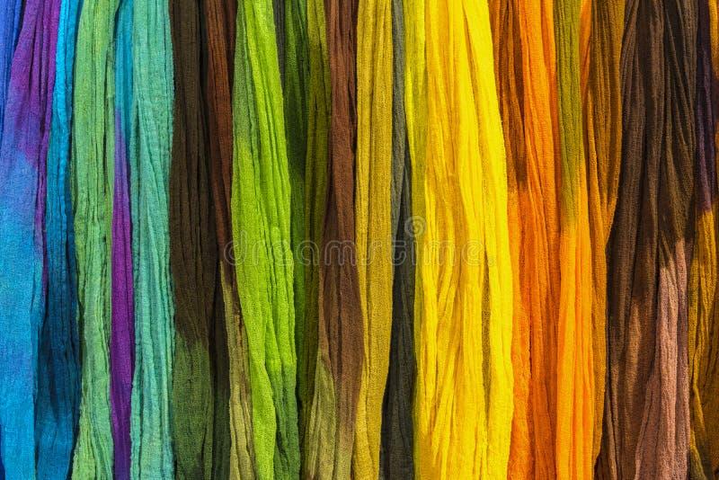 Fundo de matérias têxteis do arco-íris fotografia de stock