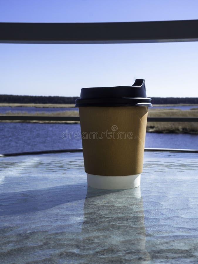 Fundo de papel da x?cara de caf? com vista bonita Efeito do filme fotos de stock royalty free