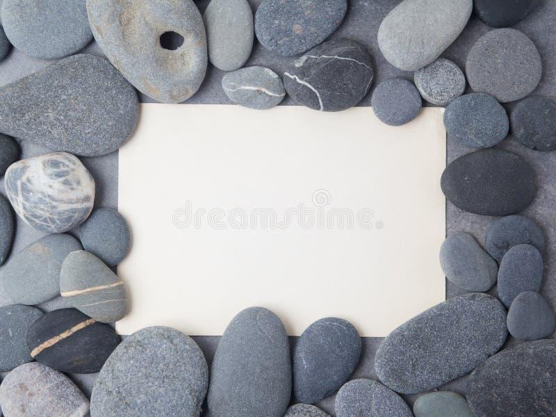 Fundo de pedra da beira do quadro do mar Vista superior Configuração lisa foto de stock royalty free