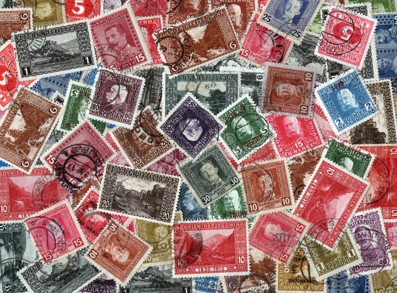 Fundo de selos postais bosnianos velhos imagem de stock royalty free