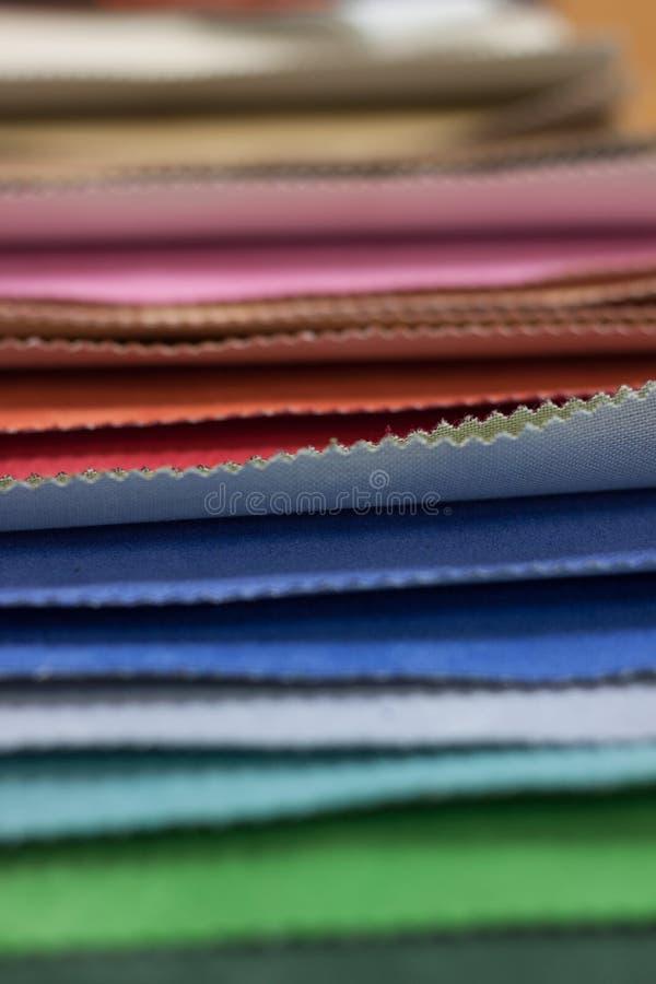 Fundo de telas coloridas fotos de stock royalty free