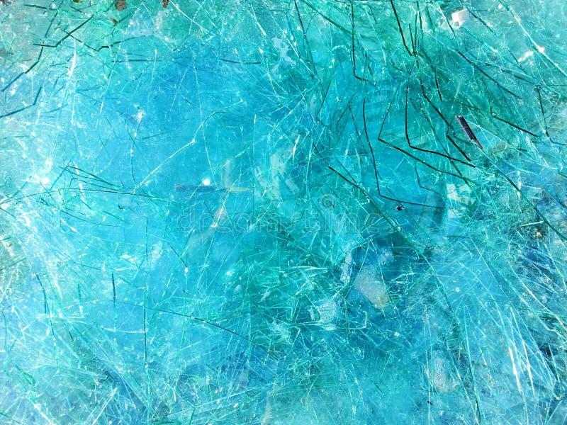 Fundo de vidro quebrado azul imagens de stock