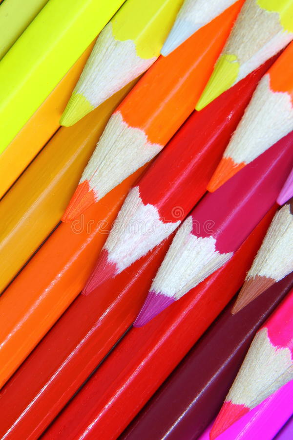 Fundo dianteiro colorido pastéis dos lápis foto de stock royalty free