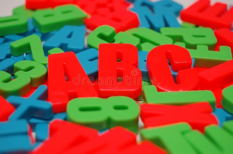 Fundo do alfabeto colorido fotografia de stock royalty free