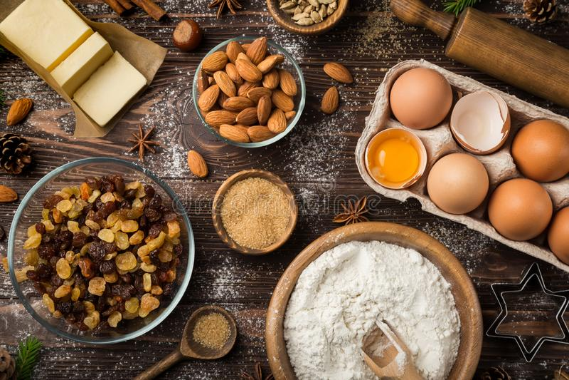 Fundo do alimento do Natal com ingredientes do cozimento imagem de stock royalty free