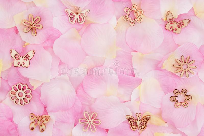 Fundo do amor com as pétalas cor-de-rosa cor-de-rosa de uma flor ilustração royalty free