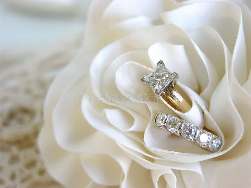 Fundo do anel de casamento imagem de stock