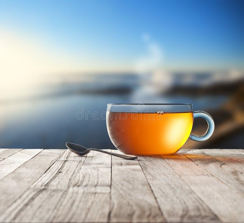 Fundo do céu do copo de chá da manhã fotos de stock