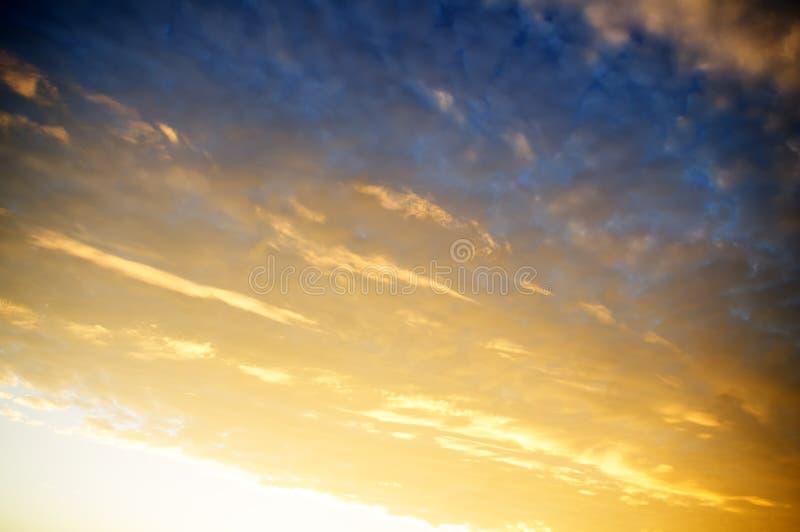 Fundo do céu do nascer do sol foto de stock royalty free