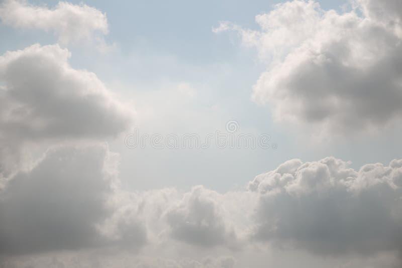Fundo do céu nebuloso fotografia de stock royalty free