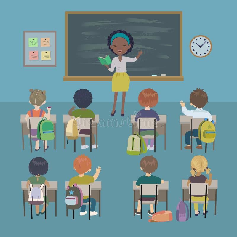 Fundo do dia dos professores Lição da escola Estudantes pequenos e professor afro-americano em uma sala de aula ilustração royalty free