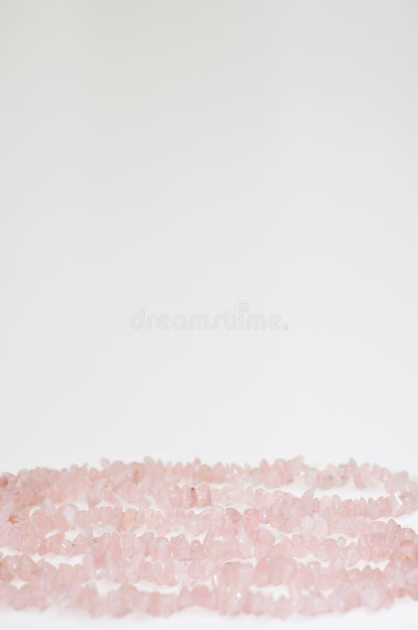 Fundo do dia do ` s do Valentim feito pelo cristal de quartzo cor-de-rosa cura fotos de stock