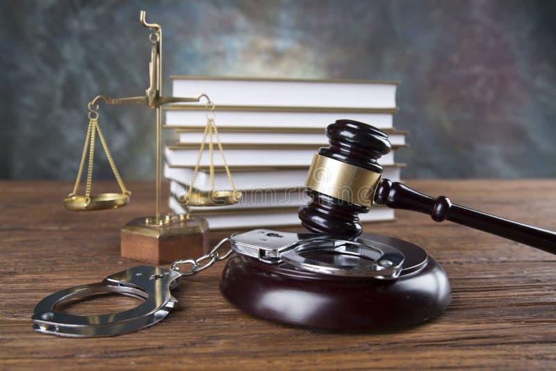 Fundo do escritório de advogados Composição dos símbolos da lei no fundo de pedra cinzento fotografia de stock royalty free