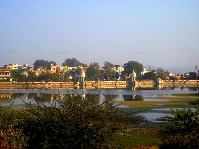 Fundo do lago da casa de campo de Udaipur fotos de stock royalty free