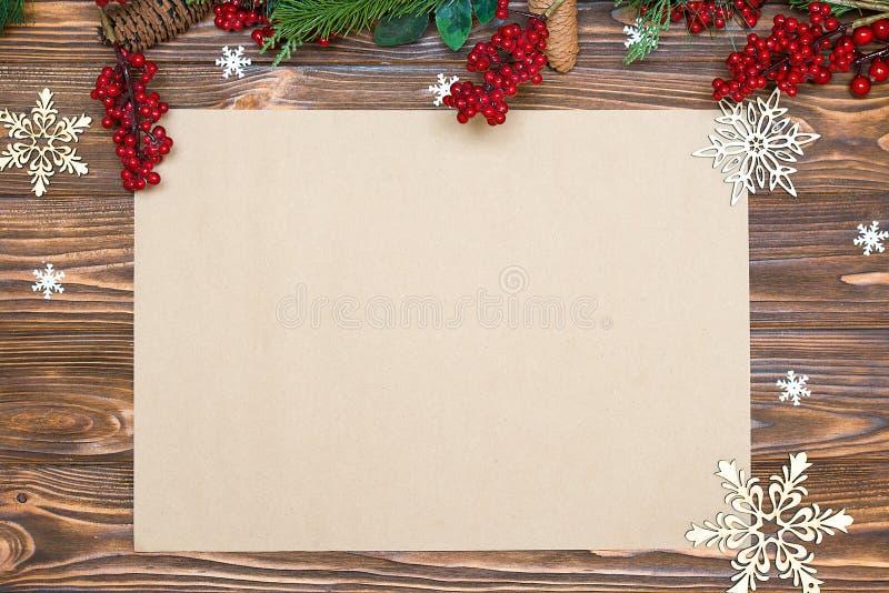 Fundo do Natal cartão festivo do xmas Vista superior Papel de embalagem para cumprimentos do feriado Ano novo, conceito dos feria imagem de stock