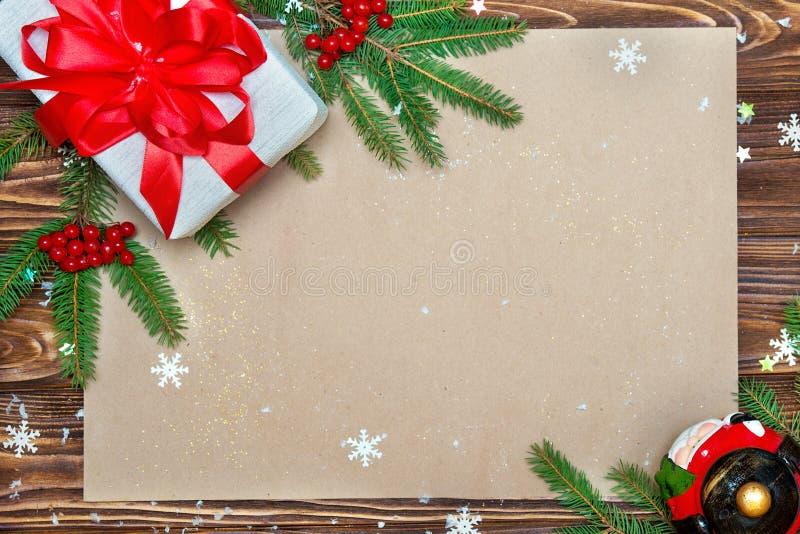 Fundo do Natal cartão festivo do xmas Vista superior Papel de embalagem para cumprimentos do feriado Ano novo, conceito dos feria fotos de stock royalty free