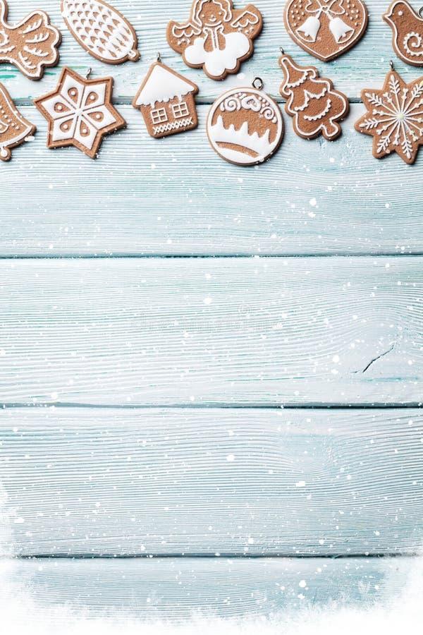Fundo do Natal com cookies do pão-de-espécie imagem de stock royalty free