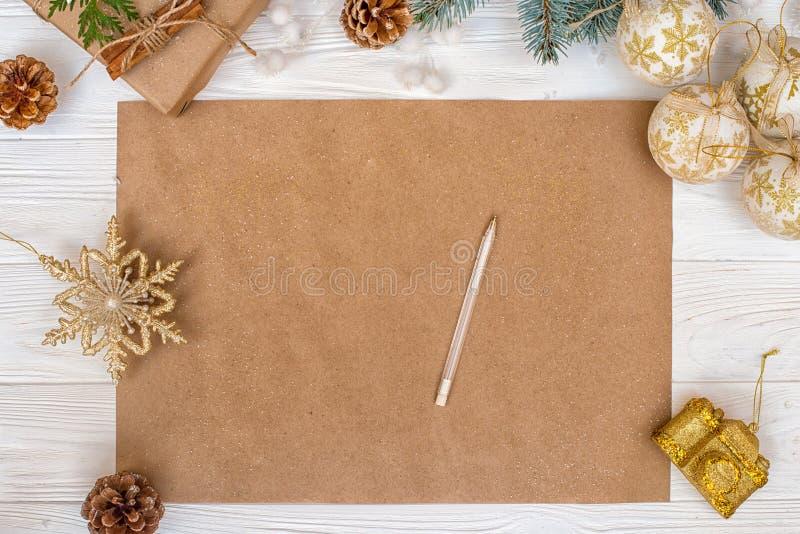 Fundo do Natal Papel de embalagem com espaço da cópia para cumprimentos, foto ou texto do feriado Cartão festivo do Xmas, letra p foto de stock