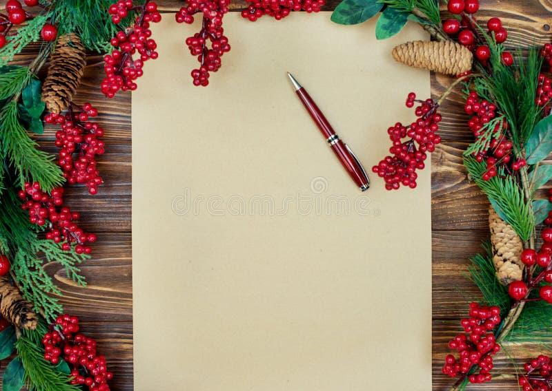 Fundo do Natal Papel de embalagem com espaço da cópia para cumprimentos foto ou texto do feriado cartão festivo do xmas Vista sup imagens de stock