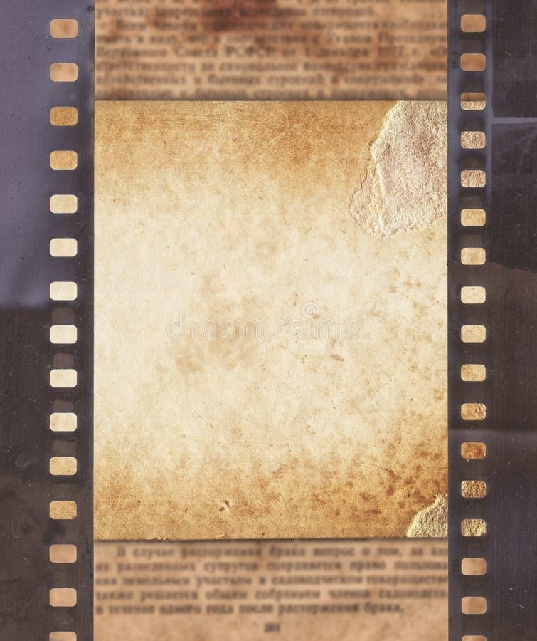 Fundo do vintage com papel retro, jornal e o stri velho do filme ilustração royalty free